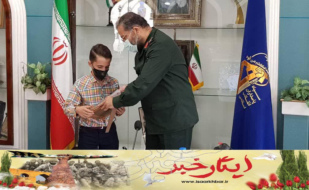 سردار سلیمانی از نوجوان مخترع سمنانی تجلیل کرد